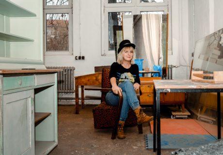 'beflügelt von' Steffi Ribbe   Möbelkünstlerin   Atelier Farbknall   Potsdam